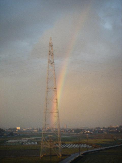 三河安城駅付近で大きな虹