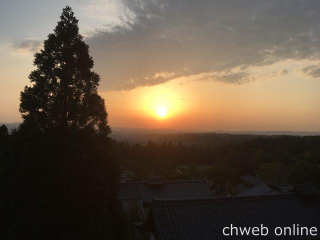 東大寺二月堂からの夕陽