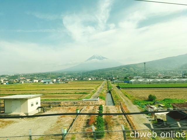 新幹線から見えるフジサン